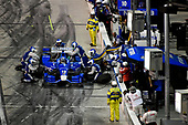 Verizon IndyCar Series<br /> Desert Diamond West Valley Phoenix Grand Prix<br /> Phoenix Raceway, Avondale, AZ USA<br /> Saturday 29 April 2017<br /> Tony Kanaan, Chip Ganassi Racing Teams Honda pit stop<br /> World Copyright: Scott R LePage<br /> LAT Images