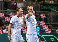 Switserland, Genève, September 19, 2015, Tennis,   Davis Cup, Switserland-Netherlands, Doubles:  Dutch team Thiemo de Bakker/Matwe Middelkoop (L)<br /> Photo: Tennisimages/Henk Koster