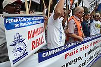ATENÇÃO EDITOR: FOTO EMBARGADA PARA VEÍCULOS INTERNACIONAIS. SAO PAULO, 25 DE SETEMBRO DE 2012 - MANIFESTACAO METALURGICOS - Metalurgicos do Estado de Sao Paulo em manifestacao por melhores salarios e melhorias nas condicoes de trabalho, em frente ao predio da Federacao das Industrias de Sao Paulo (FIESP), na manha desta terca feira, na Avenida Paulista, regiao central da capital. FOTO: ALEXANDRE MOREIRA - BRAZIL PHOTO PRESS