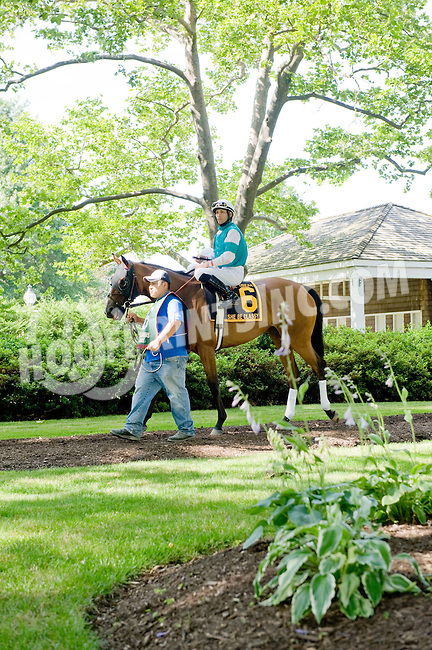 She Be Classy before The Obeah Stakes (gr3) at Delaware Park on 6/16/12
