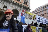 Roma, 13 Dicembre 2014.<br /> Corteo per il diritto alla città contro Mafia e Capitale,contro privatizzazioni,sgomberi, sfratti,distacchi e razzismo.<br /> Super Mario contro i distacchi.