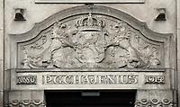 Nederland  Amsterdam - 2017.   P. G. C. Hajenius aan het Rokin. Winkel in rookwaren en tabak. Hajenius, begonnen in 1826 in de Warmoesstraat, is de oudste sigaren - en tabakszaak van Amsterdam.    Foto Berlinda van Dam / Hollandse Hoogte