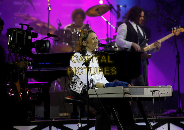 RODGER HODGESON.ex lead singer and founder of band Supertramp performing at the 50th Music Festival in Vina Del Mar, Chile. .28th March 2009..half length concert music gig performing keyboard singing microphone .CAP/GH.©Gardner Hamilton/Capital Pictures