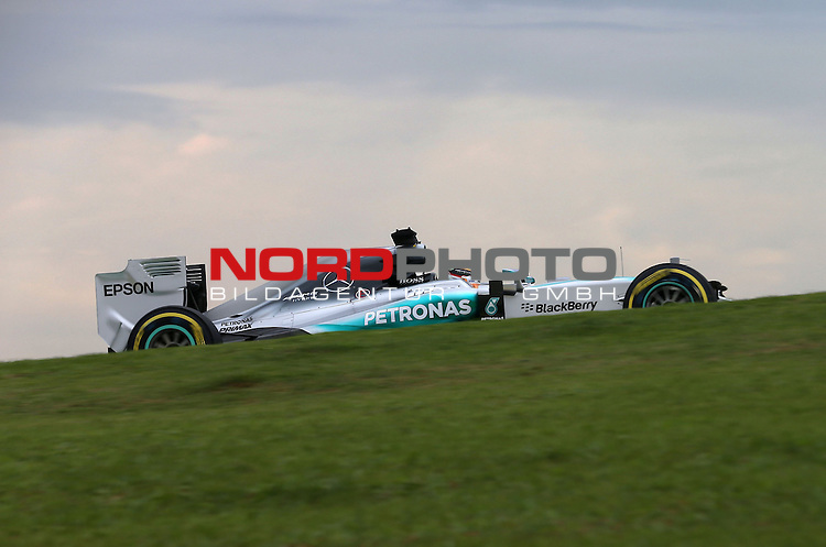 15.11.2015, Autodromo Jose Carlos Pace, Sao Paulo, BRA, F1, Grosser Preis von Brasilien, im Bild  Lewis Hamilton (GBR), Mercedes GP<br /> for the complete Middle East, Austria &amp; Germany Media usage only!<br />  Foto &copy; nph / Mathis
