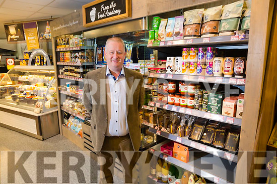 Dermot Walsh from Super Valu Cahersiveen promoting the Food Academy.