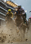 LOUISVILLE, KENTUCKY - MAY 04: Improbable with Irad Ortiz Jr races in the Kentucky Derby at Churchill Downs in Louisville, Kentucky on May 04, 2019. Evers/Eclipse Sportswire/CSM