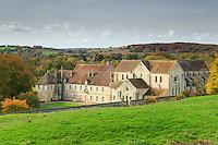 France, Cher (18), Bruère-Allichamps, Abbaye de Noirlac en automne // France, Cher, Bruere-Allichamps, Noirlac abbey