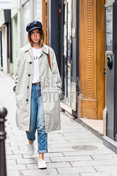 Street Style<br /> <br /> Paris - Alta Costura - Inverno 2017<br /> <br /> <br /> foto: FOTOSITE