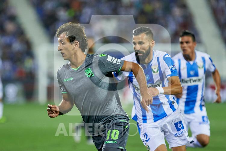 Leganes' Dimitrios Siovas and Real Sociedad's Mikel Oyarzabal during La Liga match. August 24, 2018. (ALTERPHOTOS/A. Perez Meca)