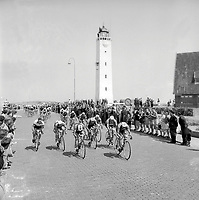 8/7/1954 Tour de France 1954.<br /> Stage 1 - AMSTERDAM to BRASSCHAAT.<br /> Photo: Offside / L'Equipe. COPYRIGHT WARNING : THIS IMAGE IS RIGHTS MANAGED AND THE COPYRIGHT MAY SIT WITH A THIRD PARTY PLEASE CONTACT simon@swpix.com BEFORE DOWNLOAD AND OR USE
