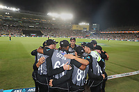 The Black caps in a huddle during the Black Caps v Australia international T20 cricket match at Eden Park in Auckland, New Zealand. 16 February 2018. Copyright Image: Peter Meecham / www.photosport.nz