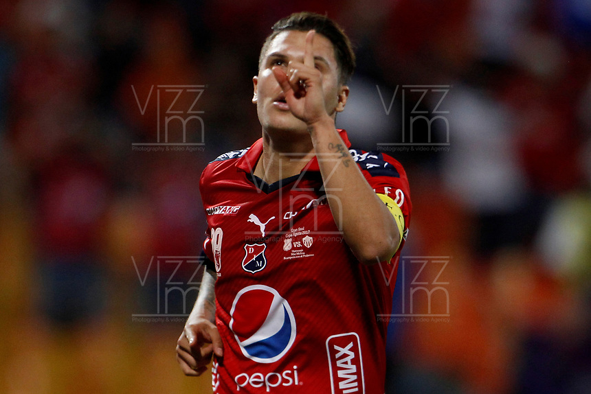 MEDELLÍN - COLOMBIA, 18-10-2017: Juan F Quintero jugador del Medellín celebra después de anotar un gol al Junior durante el partido entre Independiente Medellín y Atletico Junior por la final ida de la Copa Águila 2017 jugado en el estadio Atanasio Girardot de la ciudad de Medellín. / Juan F Quintero player of Medellin celebrates after scoring a goal to Nacional during first leg match between Independiente Medellin and Atletico Junior for the final of the Aguila Cup 2017 played at Atanasio Girardot stadium in Medellin city. Photo: VizzorImage/ León Monsalve / Cont