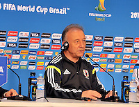 CUIABA - BRASIL -23-06-2014. Alberto Zaccheroni técnico de la selección de fútbol de Japón (JPN) durante rueda de prensa después del último entrenamiento en el estadio Arena Pantanal de Cuiaba previo al partido del Grupo C ante Colombia (COL) como parte de la Copa Mundial de la FIFA Brasil 2014./ Alberto Zaccheroni  coach of Japan (JPN) National Soccer Team during press conference after the training at Arena Pantanal stadium in Cuiaba prior of the Group C match against Colombia (COL) as part of the 2014 FIFA World Cup Brazil. Photo: VizzorImage / Alfredo Gutiérrez / Contribuidor
