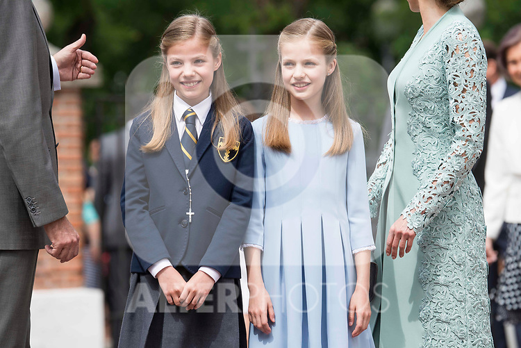 Princess Sofia and Princess Leonor pose to the media at First Communion of princess Sofia at Asuncion de Nuestra Senora Church in Madrid, May 17, 2017. Spain.<br /> (ALTERPHOTOS/BorjaB.Hojas)