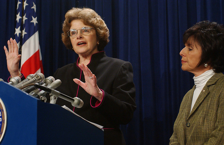 11/4/03.FAIR CREDIT REPORTING ACT--Sen. Dianne Feinstein, D-Calif., and Sen. Barbara Boxer, D-Calif., during a news conference calling on the Senate to close loopholes in the Fair Credit Reporting Act that they say would allow corporations to share financial and personal informations among their affiliaates..CONGRESSIONAL QUARTERLY PHOTO BY SCOTT J. FERRELL