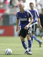9 April 2005:   Wade Barrett of Earthquakes in action against Chivas USA at Spartan Stadium in San Jose, California.   San Jose Earthquakes tied Chivas USA, 3-3.   Credit: Michael Pimentel / ISI