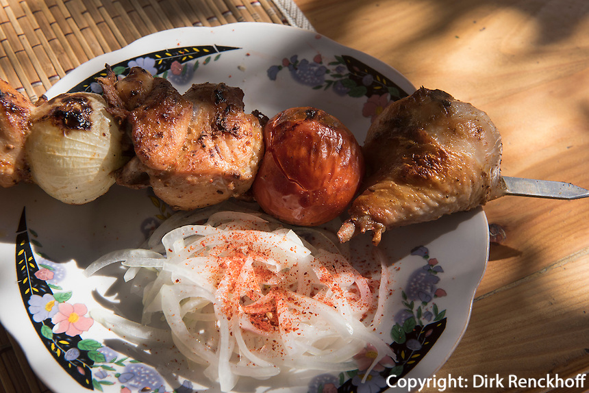 Fleischspie&szlig; (Schaschlik) in Usbekistan, Asien<br /> skewer (shashlik) in Uzbekistan, Asia
