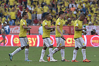 BARRANQUILLA - COLOMBIA - 17-11-2015: Jugadores de Colombia abandonan el campo de juego durante el intermedio del partido con Argentina válido por la clasificación a la Copa Mundo FIFA 2018 Rusia jugado en el estadio Metropolitano Roberto Melendez en Barranquilla. / Players of Colombia leave the field during the halftime of the match against Argentina valid for the 2018 FIFA World Cup Russia Qualifiers played at Metropolitan stadium Roberto Melendez in Barranquilla. Photo: VizzorImage / Gabriel Aponte / Staff