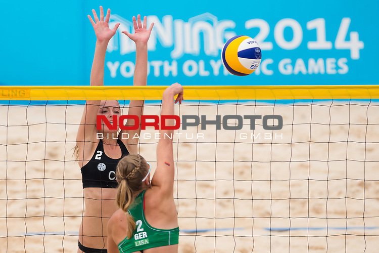 26.08.2014, Nanjing, Youth Olympic Sports Park<br /> Youth Olympic Games 2014, Halbfinale<br /> <br /> Block Nicole McNamara - Angriff Lisa Arnholdt (GER)<br /> <br />   Foto &copy; nordphoto / Kurth