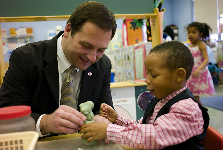 WILLIAMSPORT, PA - March 27: U.S. Rep. Christopher P. Carney, D-Pa., makes a play dough snow man with a student during a visit to a Head Start classroom in the Ascension Parish Hall in Williamsport. (Photo by Scott J. Ferrell/Congressional Quarterly)