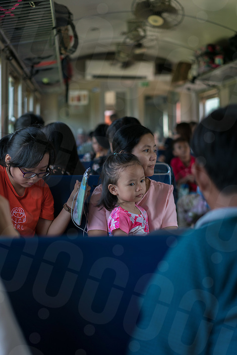 September 24, 2016 - Phnom Penh (Cambodia). Passengers on the train from Phnom Penh to Sihanoukville. © Thomas Cristofoletti / Ruom
