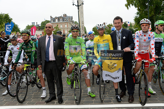 The mayor of Epernay Franck Leroy and Kader Arif, secretaire d'Etat aux Anciens combattants, ready to start the stage, also pictured Peter Sagan (SVK) Cannondale and race leader Vincenzo Nibali (ITA) Astana on the line, Stage 7 of the 2014 Tour de France running 234.5km from Epernay to Nancy. 11th July 2014.<br /> Photo ASO/G.Demouveaux/www.newsfile.ie