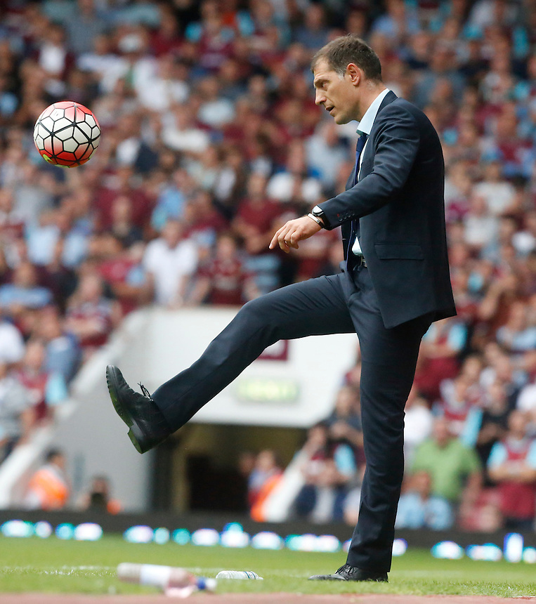 West Ham United manager Slaven Bilic<br /> Photographer Kieran Galvin/CameraSport<br /> <br /> Football - Barclays Premiership - West Ham United v Leicester City - Saturday 15th August 2015 - Boleyn Ground - London<br /> <br /> &copy; CameraSport - 43 Linden Ave. Countesthorpe. Leicester. England. LE8 5PG - Tel: +44 (0) 116 277 4147 - admin@camerasport.com - www.camerasport.com
