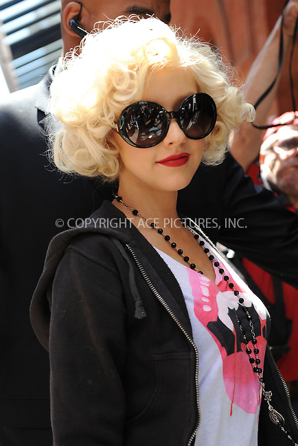 WWW.ACEPIXS.COM . . . . . ....May 7 2010, New York City....Singer Christina Aguilera seen arriving at her hotel in Soho on May 7 2010 in New York City....Please byline: KRISTIN CALLAHAN - ACEPIXS.COM.. . . . . . ..Ace Pictures, Inc:  ..tel: (212) 243 8787 or (646) 769 0430..e-mail: info@acepixs.com..web: http://www.acepixs.com