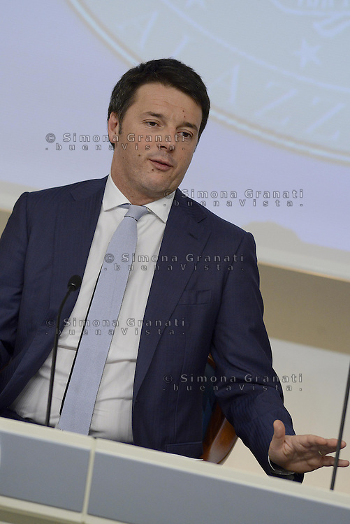 Roma 18 Aprile 2014<br /> Il primo ministro Matteo Renzi, durante la  conferenza stampa a Palazzo Chigi, riferisce sulle  misure sul Bonus Irpef e di altri interventi di politica economica decisi al  termine del Consiglio dei Ministri n&deg;14.<br /> Rome, Italy. 18th April  2014 -- Prime Minister Matteo Renzi reports on measures that will be undertaken in the field  economic policy interventions and tax burden reductions in the press room at the Palazzo Chigi. -- The Italian Premier, Matteo Renzi announced new measures that will be undertaken in the field economic policy interventions, and tax burden reductions in the hopes of stimulating the economy.