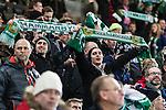 Stockholm 2014-01-10 Bandy Elitserien Hammarby IF - Sandvikens AIK :  <br />  Hammarby supportrar h&aring;ller upp halsdukar i samband med att spelarna g&ouml;r entr&eacute; p&aring; planen<br /> (Foto: Kenta J&ouml;nsson) Nyckelord:  supporter fans publik supporters