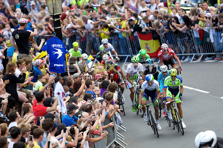 Picture by Shaun Flannery/SWpix.com - 06/07/2014 - Cycling - Tour de France 2014 - Stage 2, York to Sheffield - Yorkshire, England - <br /> Cote de Jenkin Road, Wincobank, Sheffield.<br /> Alberto Contador leads the riders into Jenkin Road on Le Tours visit to South Yorkshire.