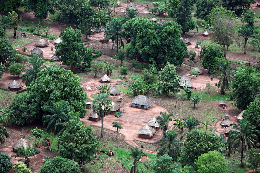 7 may 2010 - Western Equatoria, South Sudan - Aerial View of Maridi, South Sudan. Photo credit: Benedicte Desrus