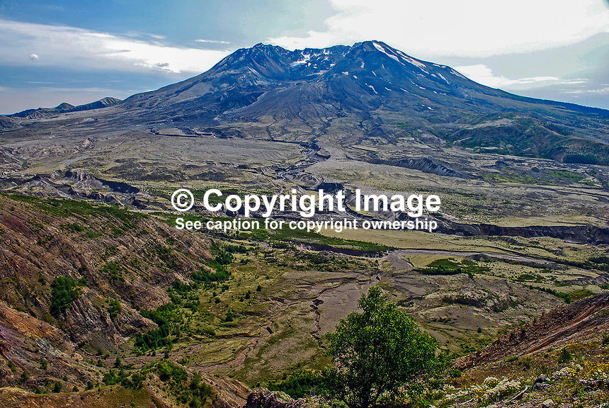 Mount St Helens, Washington State, USA, which last erupted in May, 1980. 200809020894, volcano, lava..Copyright Image from Victor Patterson, 54 Dorchester Park, Belfast, N Ireland, BT9 6RJ...Tel: +44 28 9066 1296.Mob: +44 7802 353836.Email: victorpatterson@mac.com..IMPORTANT: Please go to www.victorpatterson.com and click on my Terms and Conditions of use.