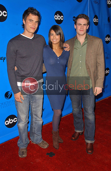 "Micah Alberti with Nicole Tubiola and Ryan Sypek<br />at the Disney - ABC Television Group ""All Star Party"". Ritz-Carlton Huntington Hotel, Pasadena, CA. 01-14-07<br />Dave Edwards/DailyCeleb.com 818-249-4998"