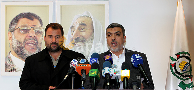Palestinian Hamas Leaders , Saleh Aruri (L) and Izzat al-Rishq (R) during a press conference against political arrests by the security forces in the West Bank, Damascus on December 21,2010. Photo by STR