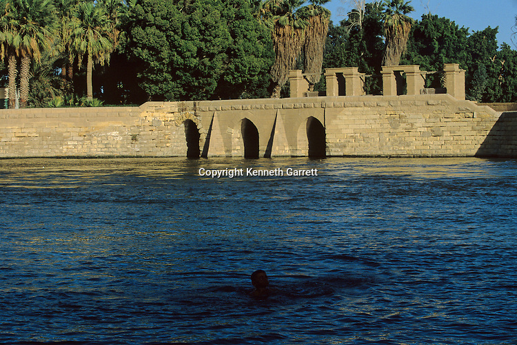 Middle Kingdom grain storage facilities and irrigation buildings, Nile river, Egypt, Daily life