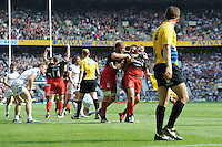 Brad Barritt of Saracens celebrates scoring the final try to win the Aviva Premiership Rugby Final between Saracens and Exeter Chiefs at Twickenham Stadium on Saturday 28th May 2016 (Photo: Rob Munro/Stewart Communications)