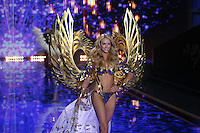 Lindsay Ellingson on the runway at the Victoria's Secret Fashion Show 2014 London held at Earl's Court, London. 02/12/2014 Picture by: James Smith / Featureflash