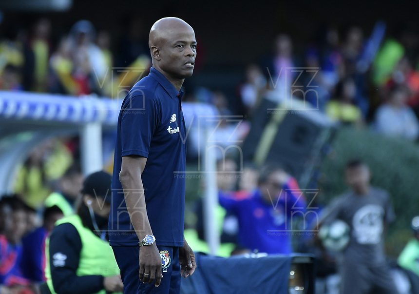 BOGOTA - COLOMBIA, 03-06-2019: Julio Dely Valdes técnico de Panamá gesticula durante partido amistoso entre Colombia y Panamá jugado en el estadio El Campín en Bogotá, Colombia. / Julio Dely Valdes coach of Panama gestures during a friendly match between Colombia and Panama played at Estadio El Campin in Bogota, Colombia. Photo: VizzorImage/ Gabriel Aponte / Staff