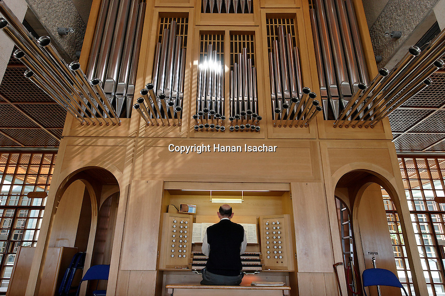 Israel, Jerusalem, The Brigham Young University (Mormon University) on Mount Scopus, the organ<br />