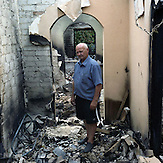 Slovyansk, Region Donezk, Donbass, Ostukraine, Juli 2014. Menschen vor ihren zerbombten H&auml;usern. / Slovyansk, Donetsk region, Donbass, East Ukraine, July 2014. People in front of their homes after bombing. <br /><br />On April 12, 2014, during the ongoing crisis following the 2014 Ukrainian revolution, masked men in army fatigues and bulletproof vests armed with Kalashnikov assault rifles captured the executive committee building, the police department, and SBU office in Sloviansk.On April 13, 2014, there were reports of fighting between the gunmen and Ukranian troops, with casualties on both sides.The city was held by separatist forces until July 5, 2014, when pressed by the Ukrainian army they had to retreat from Sloviansk.<br />Slovyansk, Donetsk region, Donbass, East Ukraine, July 2014.