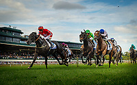 LEXINGTON, KY - OCTOBER 07: Suedois #3, ridden by Danny Tudhope outlasts Ballagh Rocks #6 with Jose Lezcano up and Heart to Heart #10 with Flroent Geroux up to win the Shadwell Turf Mile Stakes at Keeneland Race Course on October 07, 2017 in Lexington, Kentucky. (Photo by Alex Evers/Eclipse Sportswire/Getty Images)