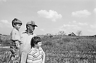 Rochelle, GA. September 1980. <br /> For Sant Clement and his two sons, this is a year without harvest.