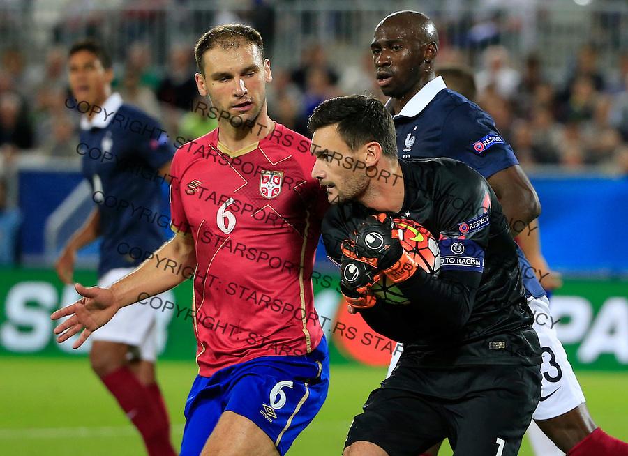 Fudbal Prijateljski mec-Friendly match<br /> Francuska v Srbija<br /> Branislav Ivanovic (L) and Hugo Lloris<br /> Bordeaux, 07.09.2015.<br /> foto: Srdjan Stevanovic/Starsportphoto &copy;