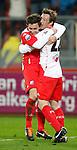 Nederland, Utrecht, 30 maart 2012.Eredivisie .Seizoen 2011-2012.FC Utrecht-Excelsior (3-2) .Cedric van der Gun van Utrecht omhelst de maker van het winnende doelpunt Thomas (Tommy) Oar van FC Utrecht