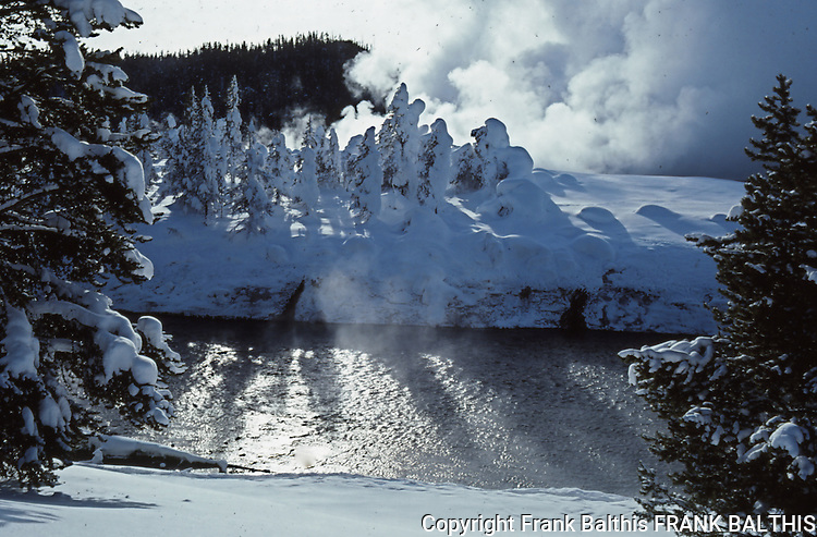Firehole River, Midway Geyser Basin