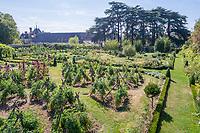 France, Indre-et-Loire (37), Montlouis-sur-Loire, jardins du château de la Bourdaisière, le potager conservatoire de la Tomate (vue aérienne)