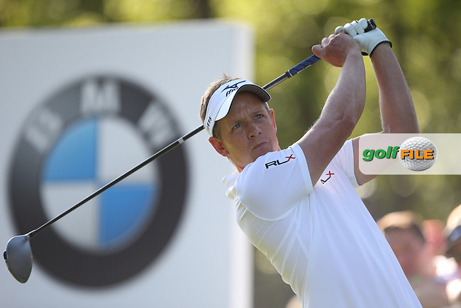 Luke Donald (ENG) drives the 17th during Round One of the 2015 BMW PGA Championship over the West Course at Wentworth, Virginia Water, London. 21/05/2015Picture David Lloyd, www.golffile.ie.