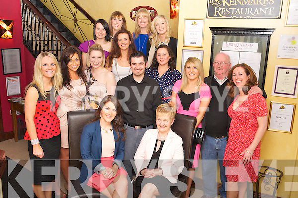 Ria Kavanagh, Killarney, pictured with her family and friends as she celebrated her 30th birthday in Lord Kenmares Restaurant, Killarney on Saturday night. ..................