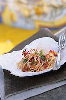 "Europe/Italie/Côte Amalfitaine/Campagnie/Positano : Spaghetti positano - Recette d'Alois Vanlangenaeke chef du restaurant de l'hôtel ""San Pietro"""